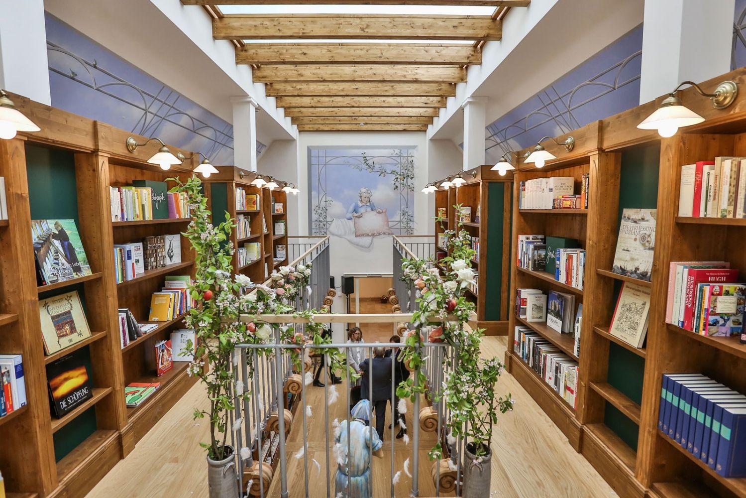 Die Bibliothek Frau Holle Ein Raum Für Kreativität Wissen Und