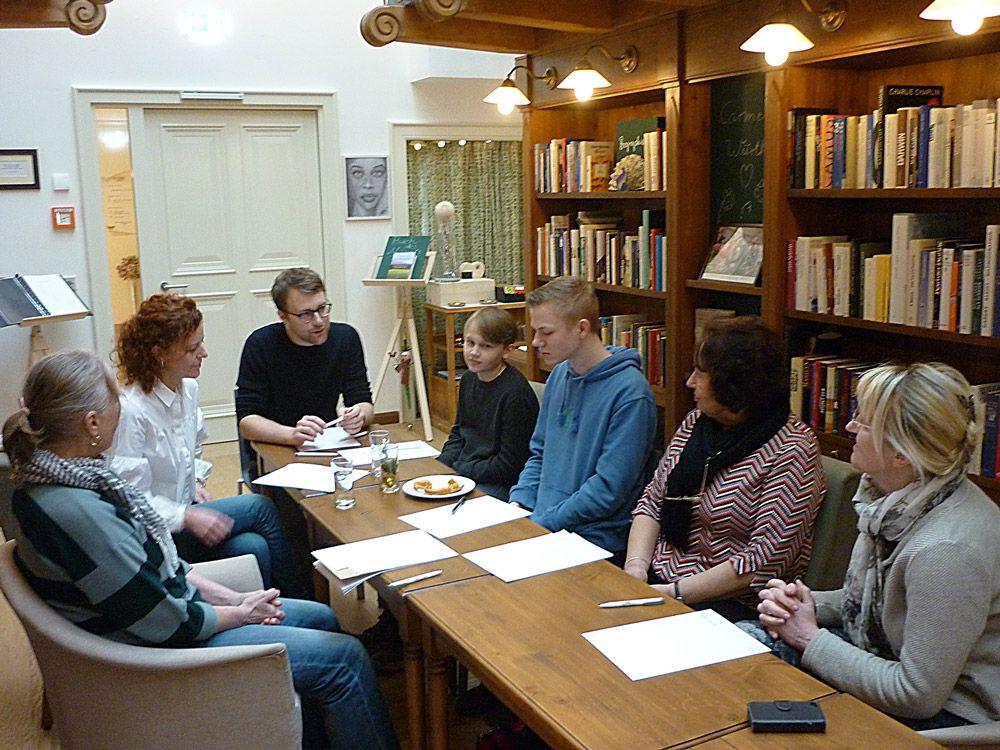 Vorlesestunde mit Vorlesepaten, Kurzgeschichten für Groß & Klein